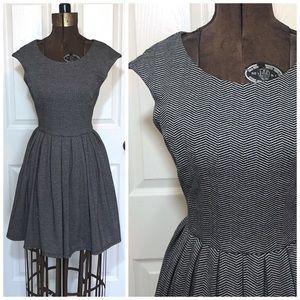 Adorable black and gray chevron stripe dress